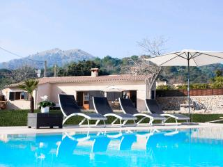 Enjoy at Exclusively Designed Villa La Rafal, Pollença