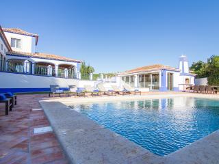 Bratz Gold Villa, Olhos de Agua, Algarve
