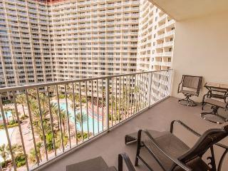 Shores of Panama 926*Gulf Front Balcony*Swimming Pools-Hot Tubs-Gym-Spa-Sauna, Panama City Beach