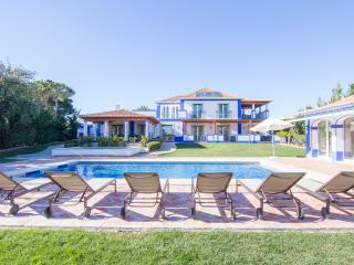 Buse Bronze Villa, Olhos de Agua, Algarve