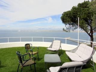 Joli maison avec piscine privée et vue mer, Roses