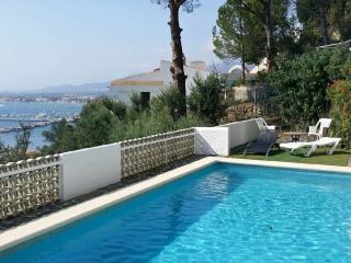 Joli maison avec piscine privée et vue mer