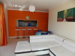 Brand new 2 spacious bed apartment, Praia da Rocha