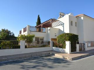 3 Bed Villa with private heated pool Coral Bay, Peyia