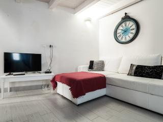 Casa Petunia: Exquisite and Traditional Home with, Ostuni