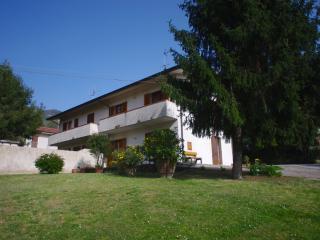 Casa immersa nel verde con splendida vista, Camaiore