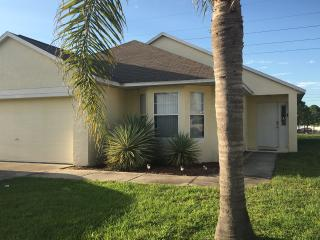 4 Bed 3 bath Florida Villa with Private Pool