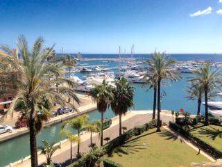 Penthouse duplex 4 bed stunning marina /sea views