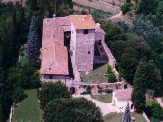 Primo piano della torre del Castello di Mugnana, Strada in Chianti