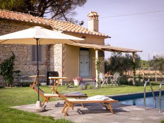 Il Nido a contemporary countrychic Villa with pool, Montecchio