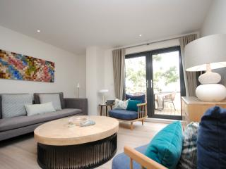 Luxury Apartment on Chichester Marina  (9)