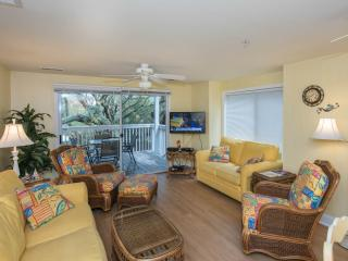 3 bedroom poolside  condo on Kure Beach