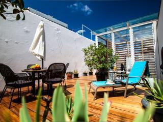 St. Sunday House + Roof Terrace, Las Palmas de Gran Canaria