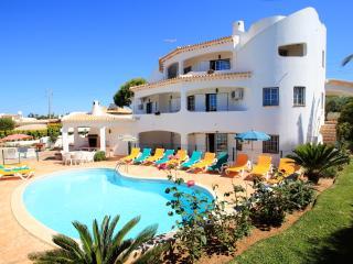 Vila Linda V6 com piscina privada ideal para familias
