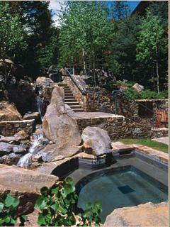 4 inground hot tubs to relax in and enjoy the views.
