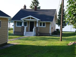 Waterfront Cottage Bungalow