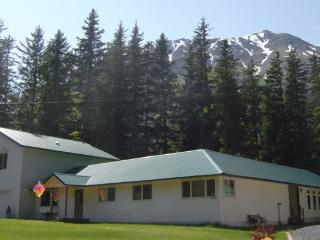 Guest Suite for the Descrimating Traveler, Seward