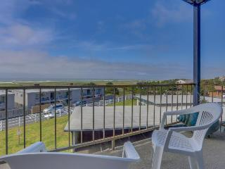 Dog-friendly, ocean-view condo near the beach w/shared pool, Gearhart