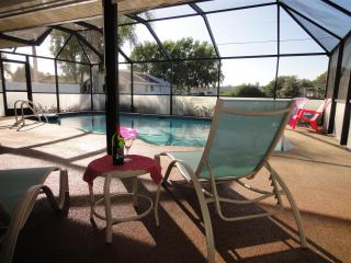 Cosy, modern and romantic Villa with heatable Pool, Cape Coral