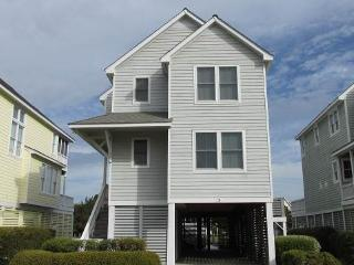 Canalfront 4BR w/ dock space - Rudder Village #5, Manteo