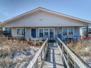 LANCASTER COTTAGE, Topsail Beach