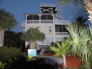 Dusk view of the front of Manatee Haven.
