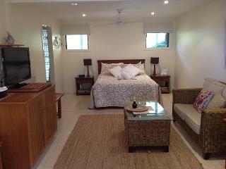 Straddie Views Bed & Breakfast  Suite 1, Point Lookout