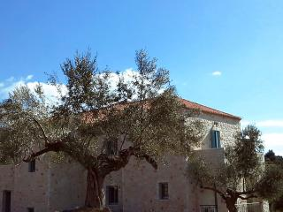 The Olive Yard: Deluxe Studios With Panoramic View, Gytheio