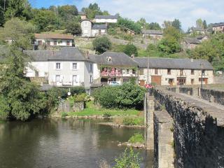 River house 'Maison Vieux Pont' a Corner of Paradise!, Vigeois