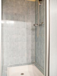 Sitelle Torchepot shower cubicle with sliding doors.