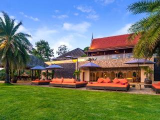 NO.6998 Luxury villa, Taling Ngam