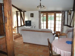 Gîte LE FOURNIL gite for 5 with pool near th sea, Sempy