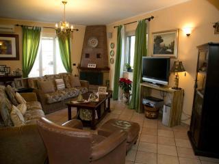 Villa con Piscina, Trappitello