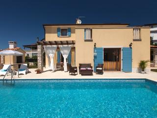 Familly villa with pool, Umag