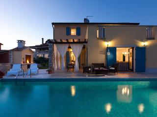 Villa with pool and playground, Umag