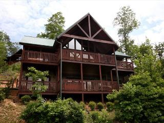 Bear Slide   Pool Access Views Pool Table Hot Tub NetFlix  Free Nights, Gatlinburg