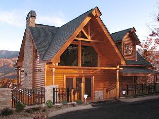 Kodiak Mountain Lodge  Views Pool Access Hot Tub Game Room Free Nights, Gatlinburg