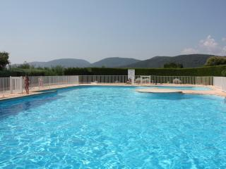 swimming pool dedicated to the reisdents