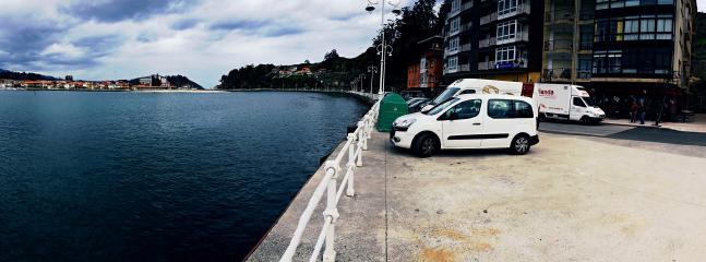 la ubicación del apartamento es en el puerto de Ribadesella.