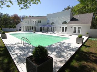 Pristine Southampton Architect Home, Pool & Tennis, East Quogue