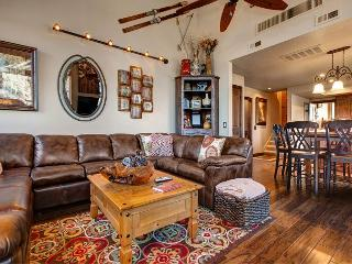 At the Base of Canyons Resort! Spacious and Spectacular – Sleeps 10