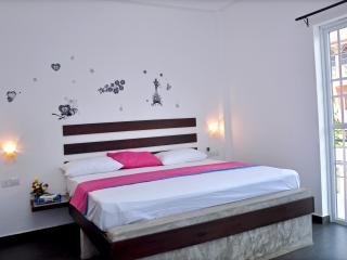 Petit Guesthouse 2 bedroom AC ideal for family