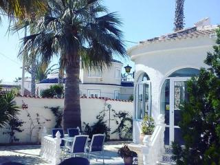 3 Bedroom Spanish Villa with Private Pool, Torrevieja