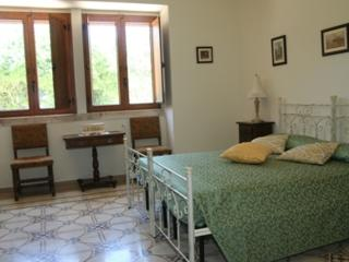 Apt in Rural Farmhouse sleeps 6/7, Castellana Grotte