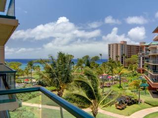 Maui Resort Rentals: 446 Hokulani @ Honua Kai, Lahaina