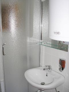 Bathroom: Apartment Enna (accommodates 4-6)