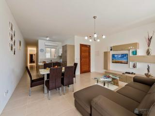 The Hillock Residences, Apt. No. D9, very tidy and organised, like the communal pool, free parking s, Marsalforn