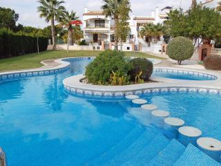 2 Bed 2 Bath Apt Close to Amenities, Golf, Beaches, Villamartín