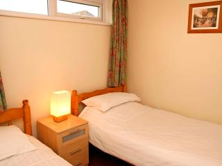 Ventonvaise 3: 2 bedroom beachside apartment, Perranporth