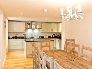 Buxton Lodge - Superb Victorian Town House in Historic Spa Town